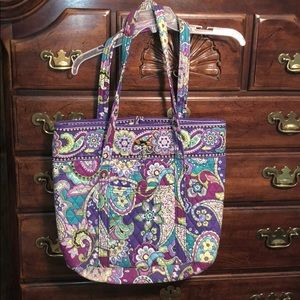Vera Bradley large tote with pockets